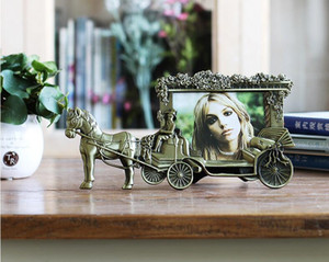 5-inch Classic Horse Carriage Photo Frames for Picture European Foto Frame Table Decor Christmas Gifts ElimElim XC0011