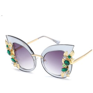 Wholesale Fashion Ladies Rhinestone Cat Eye sunglasses Women Designer Sexy Shade for Female Sun Glasses Luxury Black Pink Color