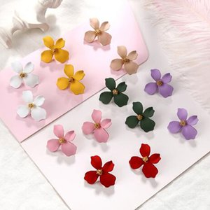 Wholesale Chadestinty Spray Paint Big Flower Earrings Yellow Red Pink White Plant Stud Earring Hyperbole Jewelry Korean Sweet Earings