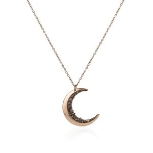 Handmade Irregular Natural Stone Crystal Moon Pendant Necklace Shiny Healing Crystal Collar Necklace For Women Fashion jewelry