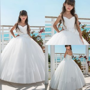 Wholesale 2019 Flower Girl Dresses For Beach Weddings Strapless Backless Ball Gown First Communion Dress With Appliques Ivory Girls Party Gowns