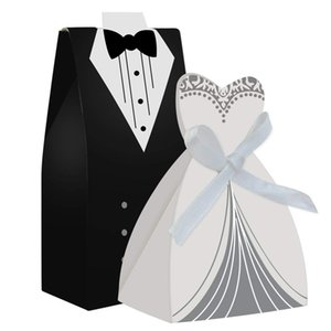 Wholesale Wedding Favors Wedding Party Favor Boxes Creative Tuxedo Dress Groom Bridal Candy Gift Box with Ribbon