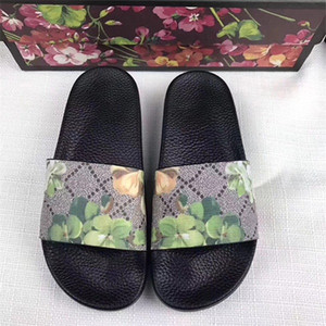 Wholesale brand fashion luxury designer slippers men and women Designer flower printed beach flip flops slipper best quality Fashion slide sandals w3