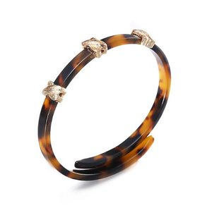 Wholesale 2018 New Arrival Tortoise Shell Acrylic Cuff Bracelet Amber Color Hand Charms Factory Direct g