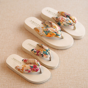 Wholesale Girl and Mother Matching Beach Slippers Bohemia Parent Hand Drag Flowers Non-Slip Summer Slipper Holiday Travel Beach Shoes