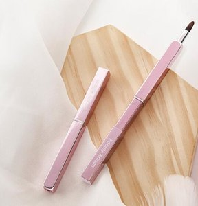 Wholesale Beauty Artisan Lip Brush Portable Lipstick brush square Lip Gloss Cosmetic brush With cover Lip Liner