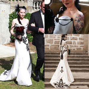 Wholesale Cheap White and Black Gothic Mermaid Wedding Dresses Bridal Gowns Lace Appliaue Sexy Off Shoulder Unique Open Back custom made Plus Size