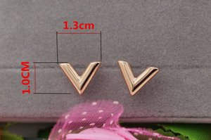 Wholesale Stylish new stereo V shape titanium steel earrings rose gold women earrings jewelry Korean hot selling