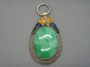 ingrosso vecchi pendenti di giada-Collectibles Old Handwork Decorated tibet Silver Inlay Jade ciondolo cloisonne