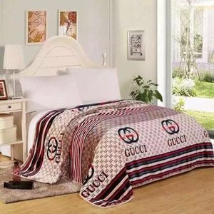 Home bed blanket autumn and winter fashion letters cloud carpet comfortable soft air conditioning blanket sofa 150 * 200cm