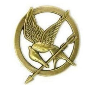 Wholesale Hot Movie The Hunger Games Mockingjay Pin Gold Plated Bird and Arrow Brooch Gift