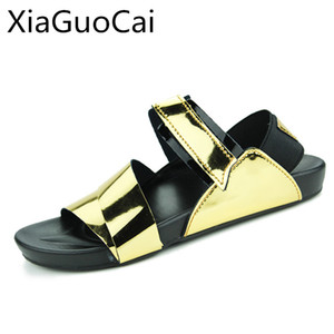 пляжная обувь мужская  оптовых-Gold Summer Men Sandals Hot Sale New Gladiator Sandals Mens Metal Decoration Beach Fashion Male Beach Footwear