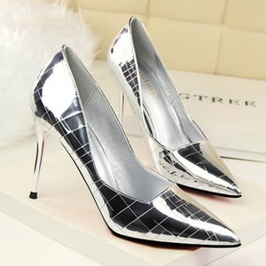 Wholesale 2018 new retro high heel shallow mouth pointed metal stone mirror sexy ultra thin nightclub shoes