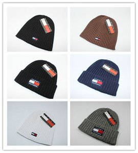 Wholesale Luxury Brands V Autumn Winter Unisex wool hat fashion casual Letter hats For Men women designer cap on Sale