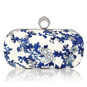 2017 Blue and White Porcelain Print Evening Bags for Women Small Purse Chain Finger Ring Clutch bag Wedding Party Clutches bag
