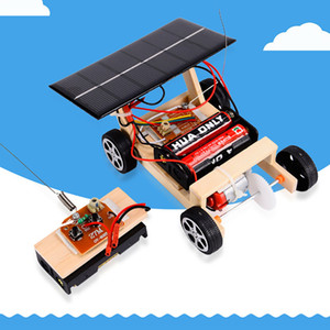 Wholesale 2018 NEW Wooden DIY Mini Solar Powered Toy RC Vehicle Car Wooden Assembly RC Toys Science Model Educational Toy Intelligence