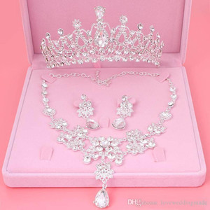 Wholesale 2019 Cheap Bling Bling Set Crowns Necklace Earrings Alloy Crystal Sequined Bridal Jewelry Accessories Wedding Tiaras Headpieces Hair