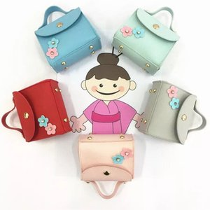 Wholesale New cute cartoon, creative cartoon zero wallet, student key bag, free girl cartoon coin package short.