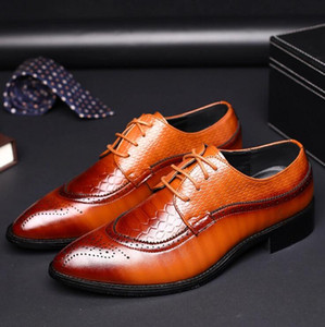 Wholesale 2019 Luxury Designer Leather Brogue Mens Flats Shoes Casual British Style Men Oxfords Fashion Dress Shoes For Men Big Size x76