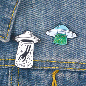 ingrosso pulsanti kawaii-Pulsanti Cute Cartoon UFO metallo Kawaii smalto Pin spilla distintivo Camicia Giacca di jeans Bag Spille decorativi per le donne Ragazze