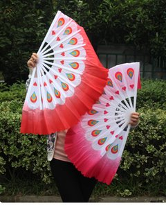 Wholesale 1 Pair Handhold Folding Fan Plastic Handle Peacock Fabric Fan Folk Art Chinese Yangko Party Stage Performance Foldable