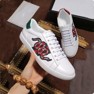 New White Leather Flats sneakers Classic Casual Shoes tiger bee Flower Embroidered Cock Love sneaker 38-45