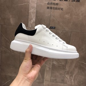 Wholesale With Box Velvet Black Mens Womens Shoe Beautiful Platform Casual Sneakers Luxury Designers Shoes Leather Solid Colors Dress Shoe Sports