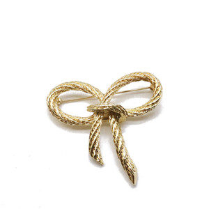 Wholesale Cute Sweet Bow Alloy Brooches New Fashion Designs Simple Brooch For Women Popular Brooch