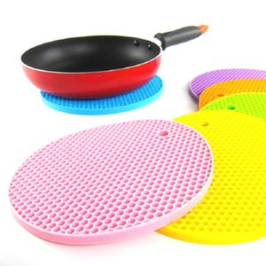 Wholesale 18cm Round Heat Resistant Silicone Mat Drink Cup Coasters Non slip Pot Holder Table Placemat Kitchen Accessories
