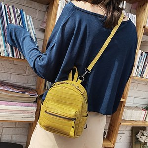 Wholesale Fashion trend stone buckle small square bag backpack across the wild lady Messenger bag crocodile skin Zer