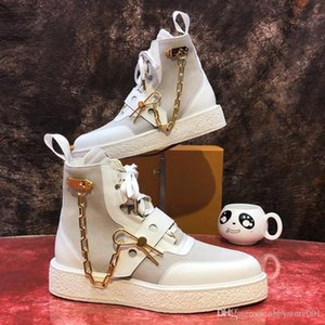 Wholesale Newest Creeper Ankle Boots with Metal Chain Men Luxury Designer Shoes Fashion Suede Calf Leather Women Designer Sneaker Shoes Boots with Box