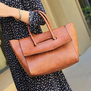 Wholesale The 2019 new single-shoulder shopping bag carries a retro wax simple lady bag