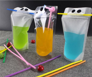 Drink Bags Stand up Reclosable Zipper Drinking Pouches Bags Hand-held Drinking Bags with Plastic Straw for Fruit Juice