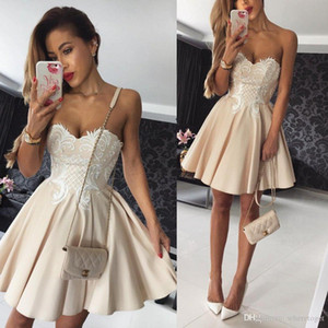 Wholesale Charming A Line Cocktail Party Dresses Sweetheart Neckline Appliques Sleeveless Dress Evening Wear Short Zipper Back Cheap Bridesmaid Wear