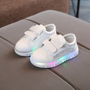 Wholesale Led Lighted Sports Sneakers Baby Rubber Solid Stars Baby Casual Shoes Lovely Girls Boys Infant Tennis Cute Baby First Walkers J190518