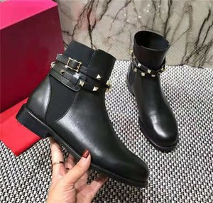 Wholesale Fashion Designer Women Boots Black Leather Studded Spikes Rivet Boots Winter Casual Shoes High Cut Ankle Knee Boot Party Dress Sneake