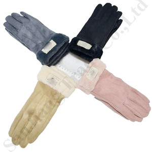 Wholesale Women Australia UG Finger Gloves Ins Trendy Brand Designer Gloves Cycling Ski Warm Fleece Mittens Luxury U&G Winter Gloves Handwear C91104