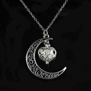 Wholesale Retro Personalized Starry Sky Moon Necklace Luminous Stone Stainless Steel Pendant For Women And Men Fashion Party Jewelry Gift