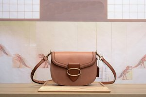 Wholesale Designer simple and elegant design concept design ladies shoulder bag crossbody bag fashion high quality leather handbag shoulder bag