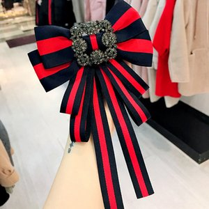 Wholesale Vintage Girl Brooches Fashion Red Blue Striped Pins Wedding Party Women Boutonniere Celtic Style Female Brooches for Gift