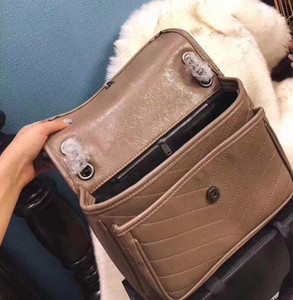 Wholesale Luxury Classic Top Quality V Wave Pattern Flap Chain Bag Oil Wax Real Leather Shoulder Designer Handbag Bags Crossbody Purse Messenger Bag