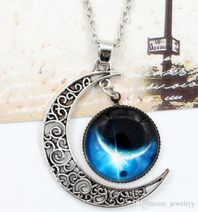 Wholesale European Sky Moon Pendant Necklace Vintage Hollow Outer Space Starry Gemstone Chain Necklaces for Women Jewelry
