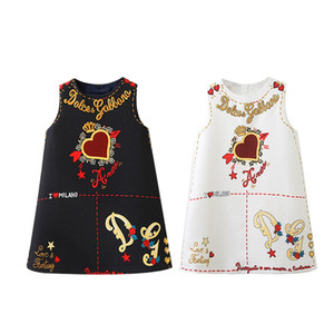 Wholesale Designer Baby Girl s Clothes Kids Cute Dresses Elegant Floral Printed Dress Sleeveless Skirt Luxury Heart Baby Girl s Clothing MMA1994
