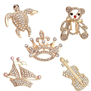 Wholesale New Bling crystal Brooches Crown violin bear cub sailboat Turtle animal Lapel Pins Badge Backpack Shirt Collar For Women Men Fashion Jewelry