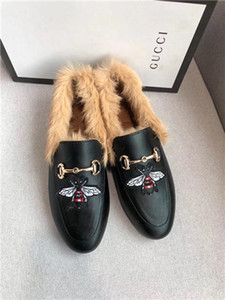 2019 Autumn and winter new brand leather fur shoes casual warm women's leather high quality luxury designe dress business shoes single shoes