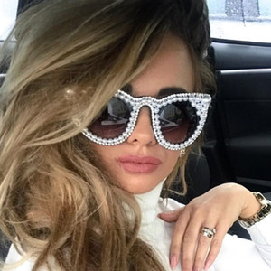 Wholesale 45557 Pearl Diamond Luxury Sunglasses Unique Women CCSPACE Brand Glasses Designer Fashion Female Shades