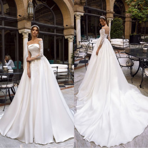 2019 Vintage Empire Satin Reflective Wedding Dresses Lace Appliques Long Sleeve Court Train Customized Bridal Gown on Sale
