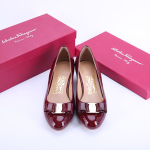 Wholesale 18SS Top luxurious Summer Brand Sexy Metal Buckle Pointed Toe Lady Pumps Elegant Butterfly knot Woman Party Wedding High Heels Shoes