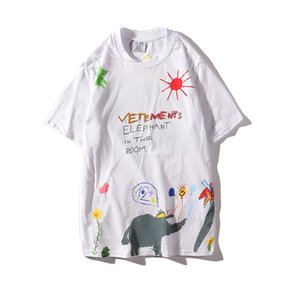 Early Spring New Hand-painted Graffiti Animal Letter Round Neck Loose Fashion Wild T-shirt Female Tide