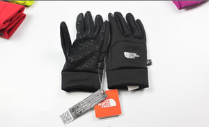 2019 TN Luxury brands Autumn and winter sports men warm touch screen skiing mountaineering anti-skid cycling ladies leisure wool gloves